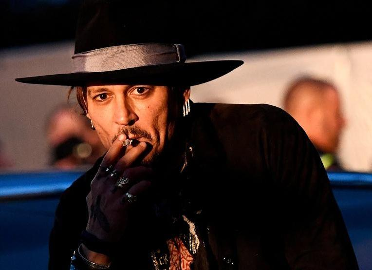 El desmejorado aspecto de Johnny Depp — Fotos