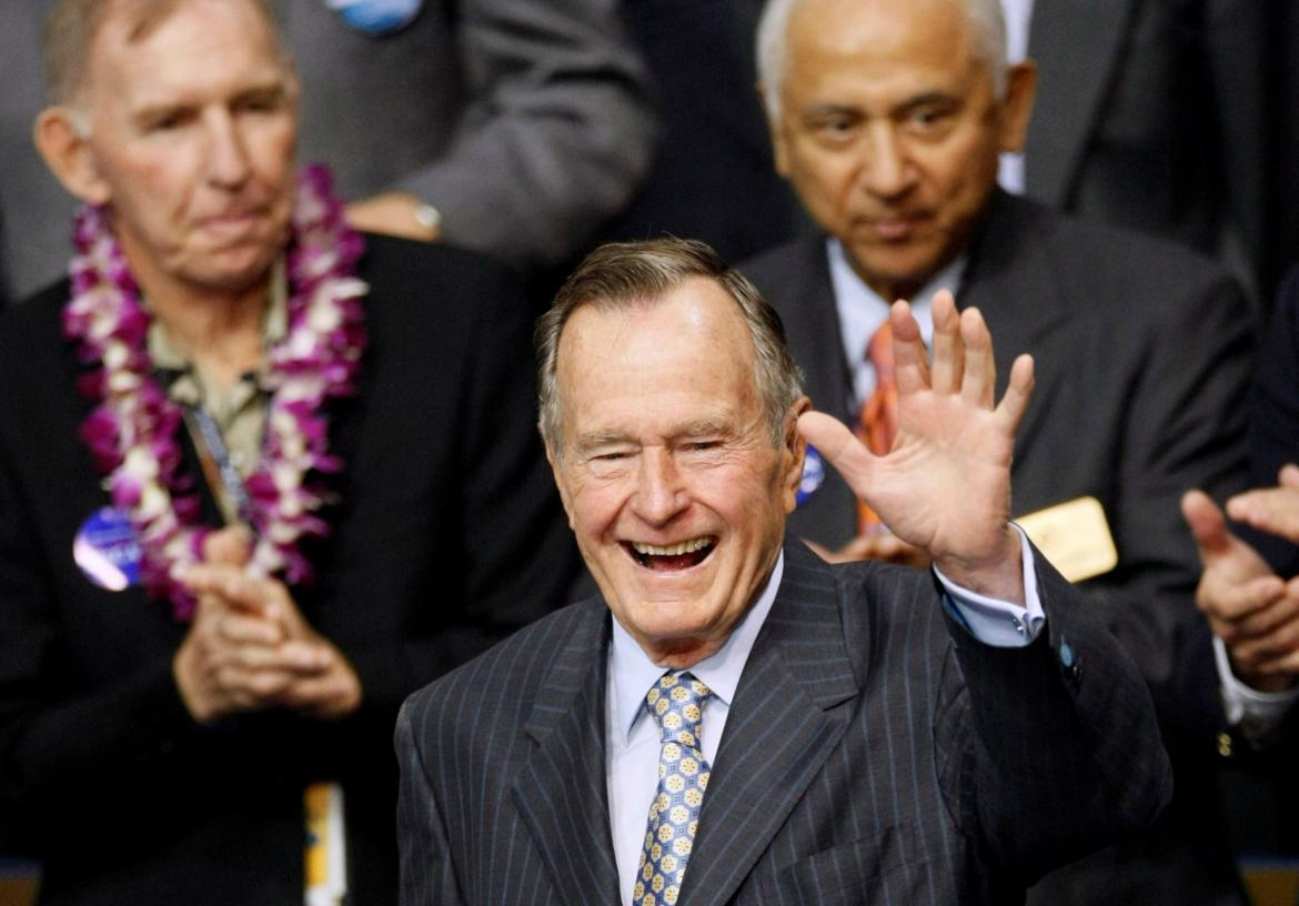 Presidente George H.W. Bush, Estados Unidos, Reuters