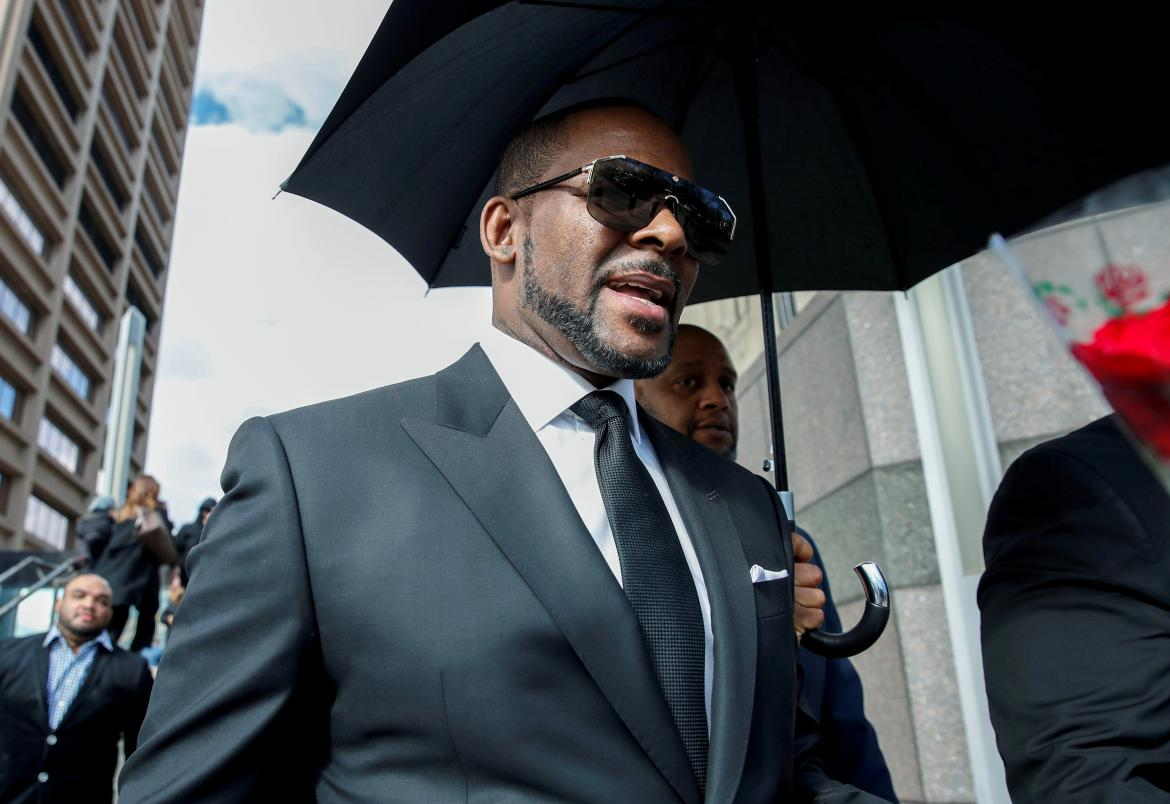 R. Kelly, cantante, arrestado por abuso sexual de menores, REUTERS
