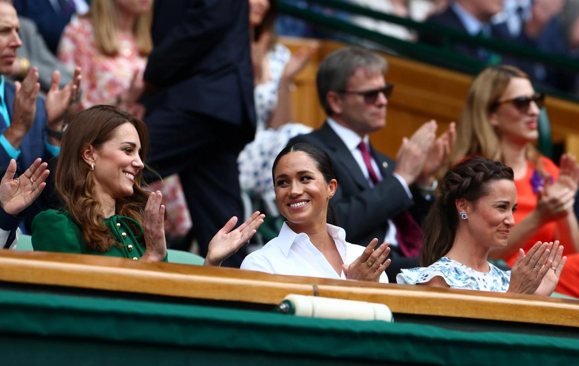 Meghan Markle y Kate Middleton juntas en la final femenina de Wimbledon	, Reuters