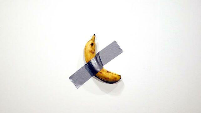 Banana en la pared en el Art Basel Miami