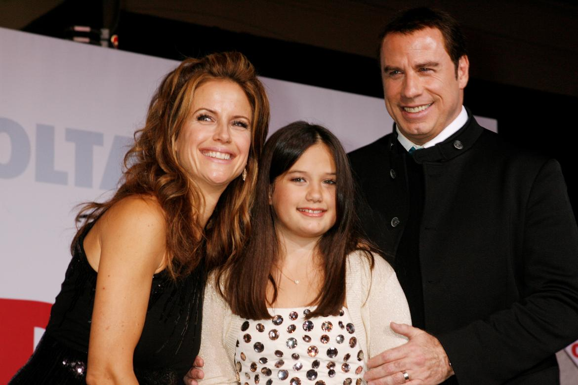 Kelly Preston, John Travolta y su hija, actores de Hollywood, REUTERS