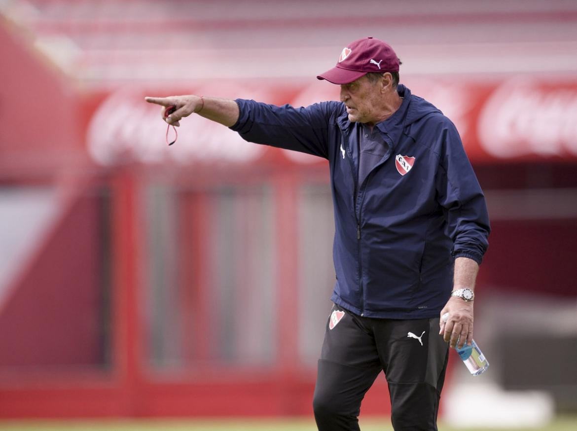 Julio Cesar Falcioni, entrenador de Independiente, NA.